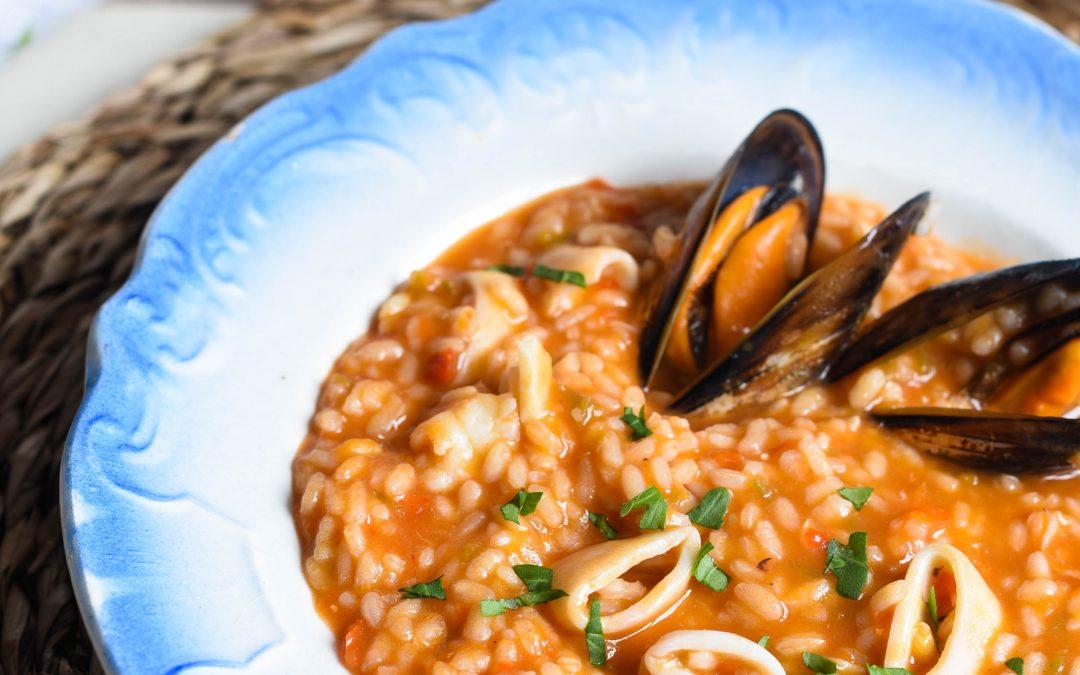 Arroz caldoso con calamares y mejillones